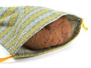 Brottasche mit Brot